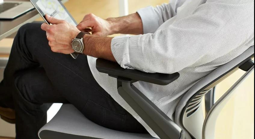 健康办公之智能座椅有何神奇之处?吴晓波同款智能椅.jpg